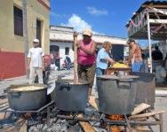 Ajiaco koken op straat.